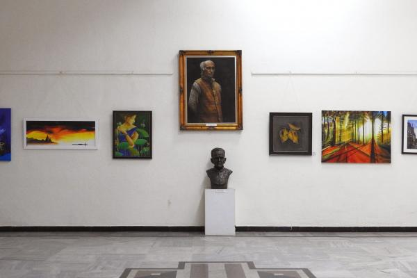 A visual feast of Indian folk and contemporary art, visit this arts campus for the galleries, the buzzing market and enriching workshops.